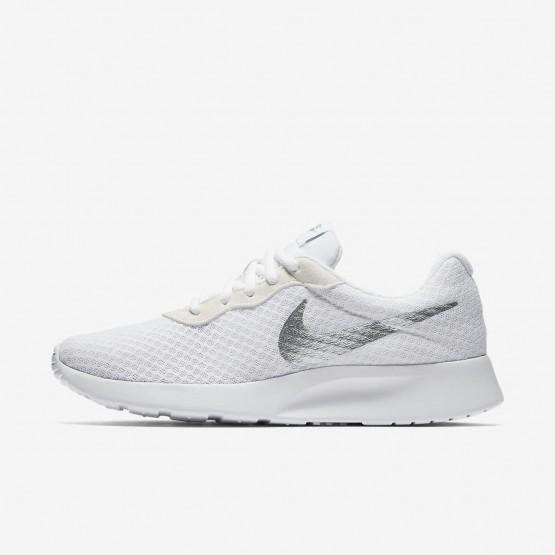229UVBZE Nike Tanjun Lifestyle Shoes For Women White/Metallic Silver