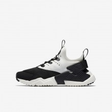 251VWIKH Nike Huarache Lifestyle Shoes For Boys Black/White/Sail