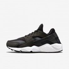 288QNJEB Nike Air Huarache Lifestyle Shoes For Women Black/White