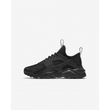 445FKEHM Nike Air Huarache Lifestyle Shoes For Boys Black