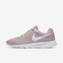 461CVLXS Nike Tanjun Lifestyle Ayakkabı Bayan Pembe/Beyaz