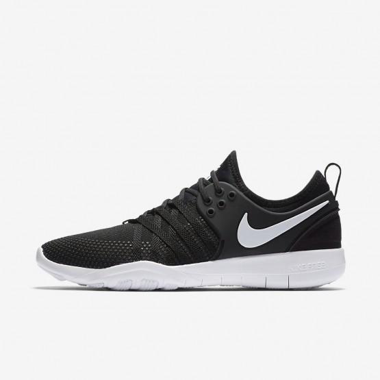 522UAQPX Nike Free TR Training Shoes For Women Black/White
