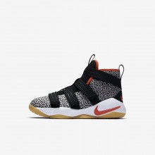 650HVJXQ Zapatillas Baloncesto Nike LeBron Soldier XI Niño Negras/Blancas/Naranjas