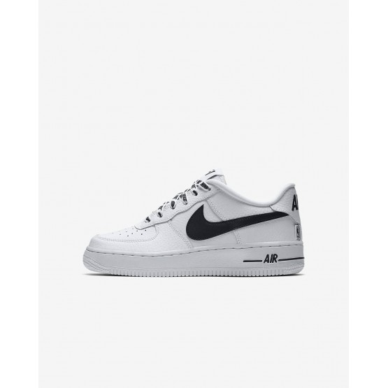 988LDNAW Nike Air Force 1 Lifestyle Shoes For Boys White/Black